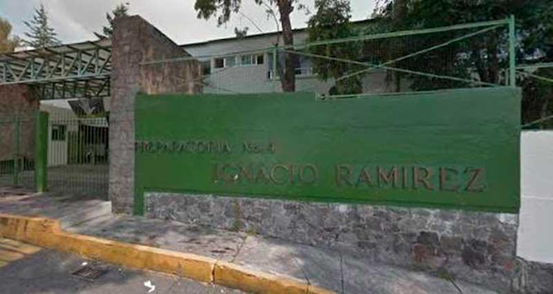 Falta seguridad en torno a planteles educativos de la colonia Electricistas, en Toluca, denuncian víctimas de asaltos.