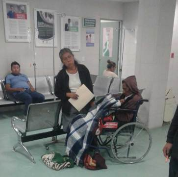 Rechazan pacientes en hospital general de Texcoco