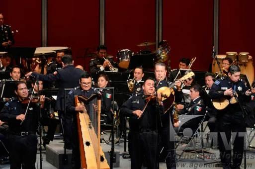 Demuestran policías federales su talento artístico en el Teatro Morelos