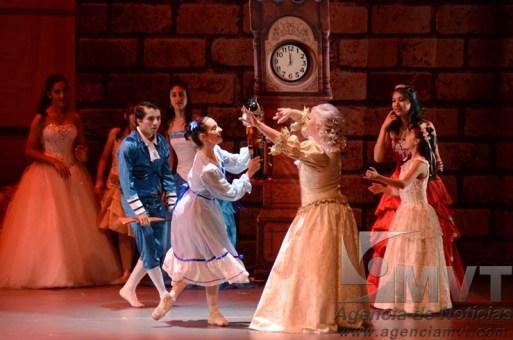 Espectacular presentación de El Cascanueces en el Teatro Morelos