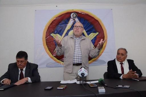 Insiste Pastor Medrano en dividir el Edomex en cuatro entidades