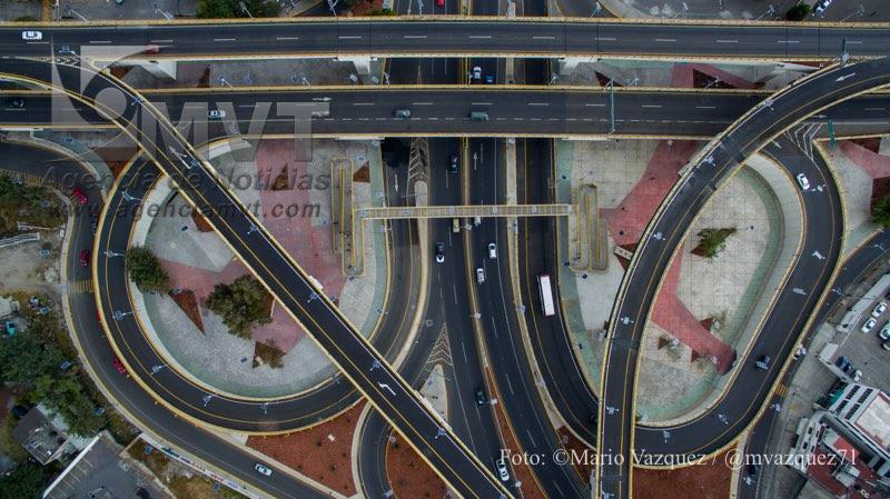 TOLUCA, Mexico.- Imagenes aereas tomadas con un drone del distribuidor vial Alfredo del mazo - Lopez Portillo ya opera al 100 por ciento tras tres años de construcción. Agencia MVT / Mario Vazquez de la Torre.