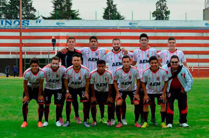 ... oficial de arranque de partidos en esa división dentro del fútbol  mexicano ea1f4205040a6