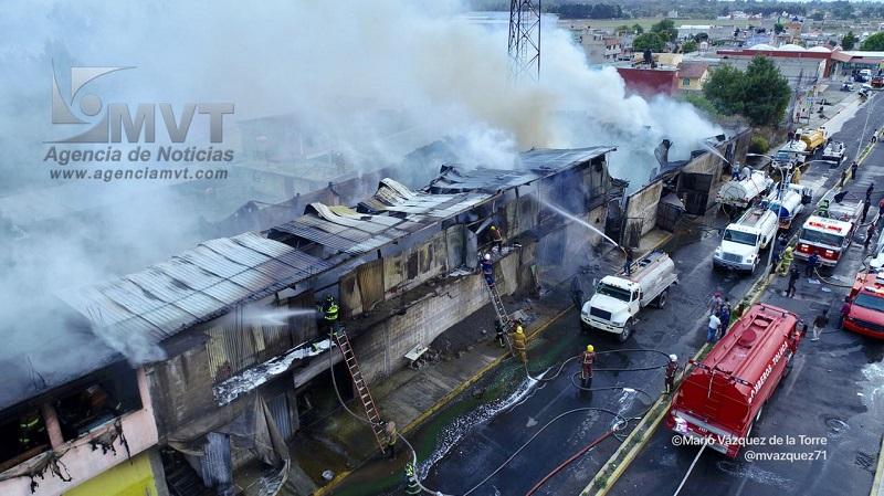 4c4b25bd3c8 Incendio consume fábrica de colchones en Ocoyoacac – Agencia de ...